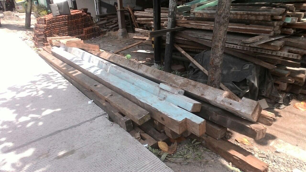 bahan baku kayu jati bekas untuk mebel
