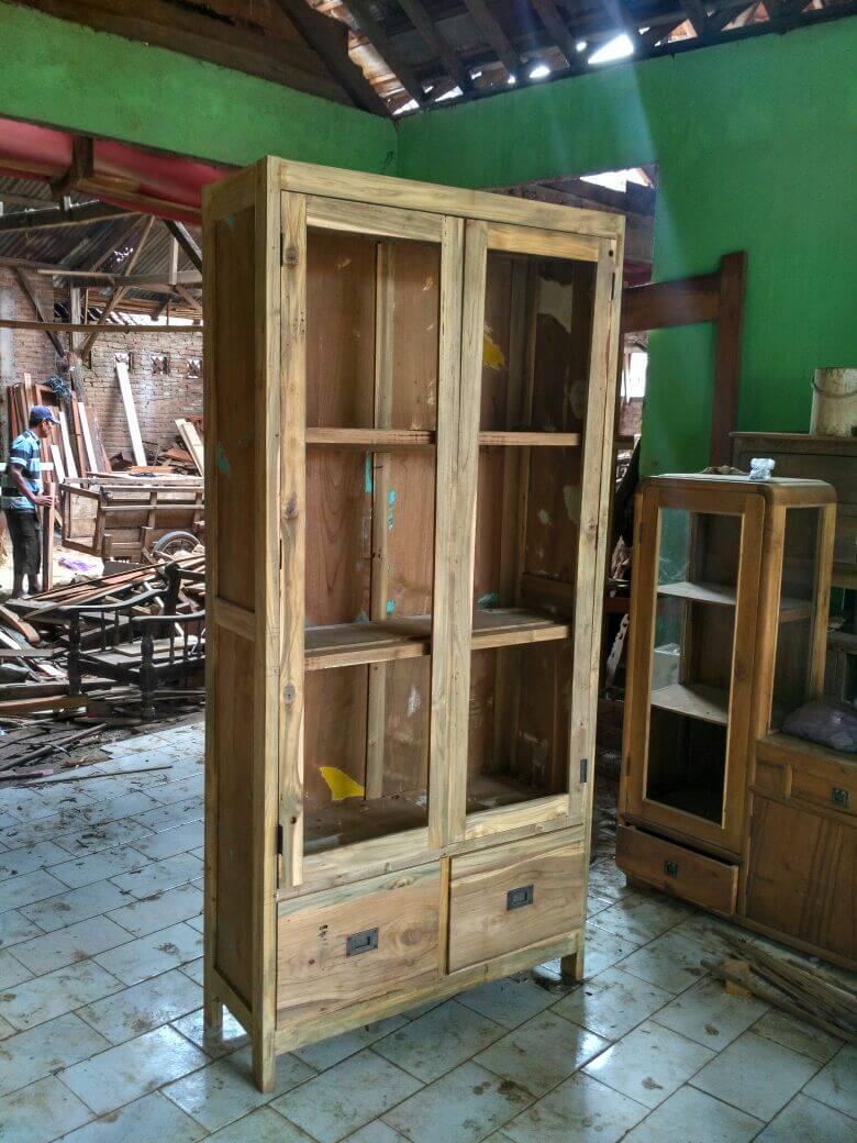 mebel kayu jati bekas - lemari pajangan