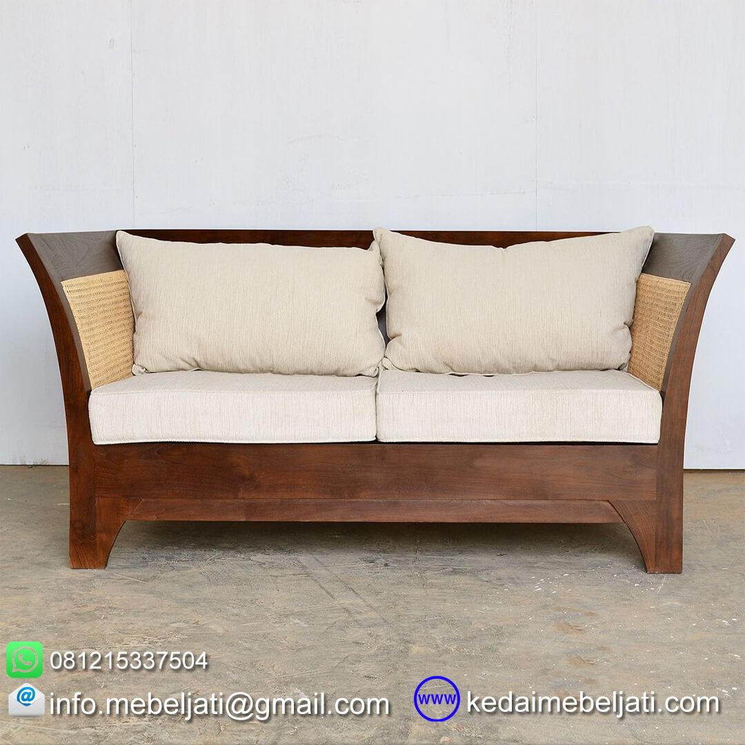 gambar tampak depan sofa jati minimalis 2 dudukan karmina rotan