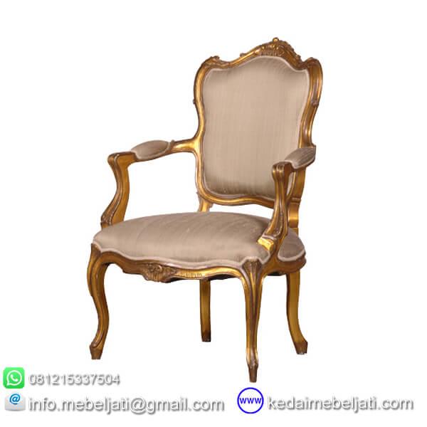 kursi makan ukiran
