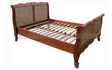 Tempat Tidur Antik Jersey Rotan