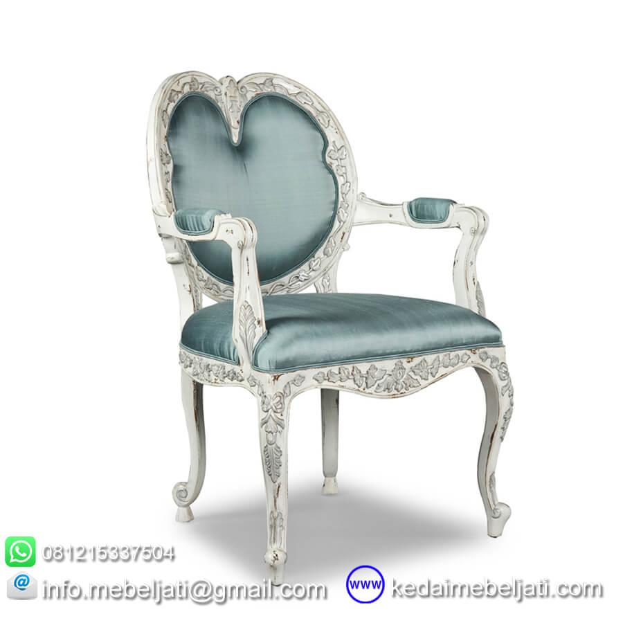 kursi makan ukir
